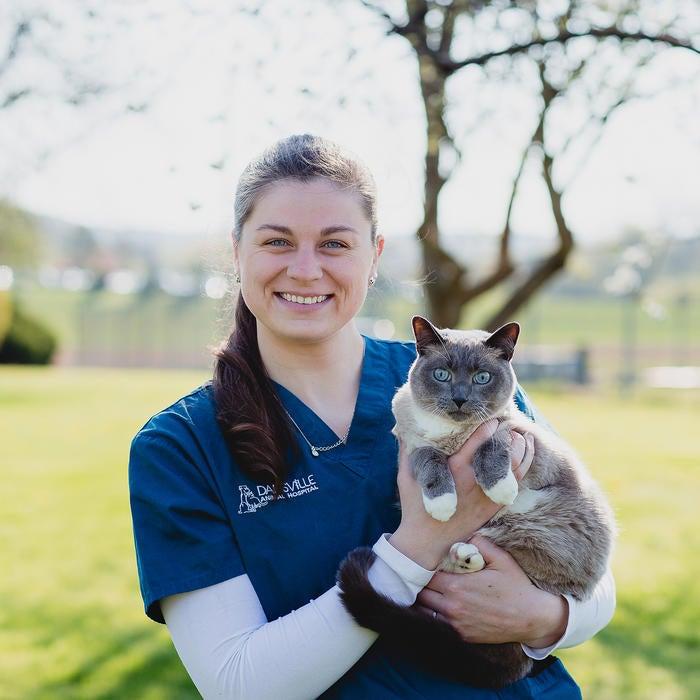 Veronica </br> Licensed Veterinary Technician  photo